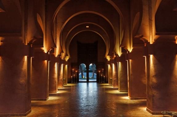 Amanjena entryway
